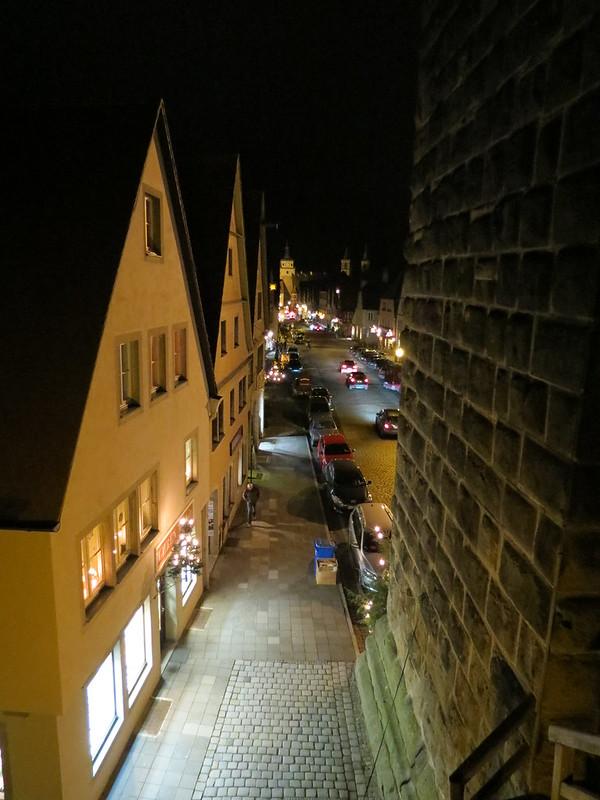 Nachtsicht von Wehrgang nah Galgenturm auf GalgengasseIMG_8083