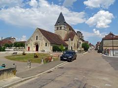 Ligny-le-Chatel, church - Photo of La Chapelle-Vaupelteigne