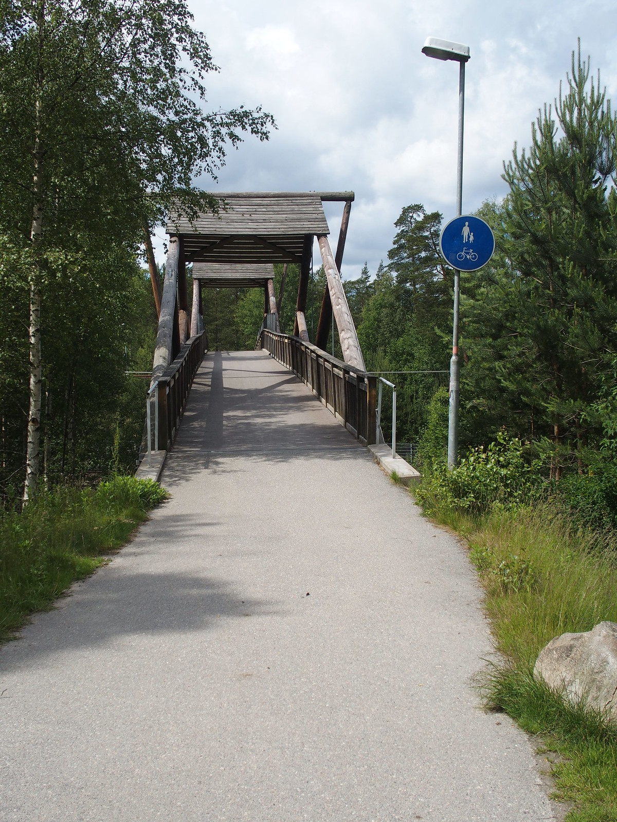 SÖ E4 Bron