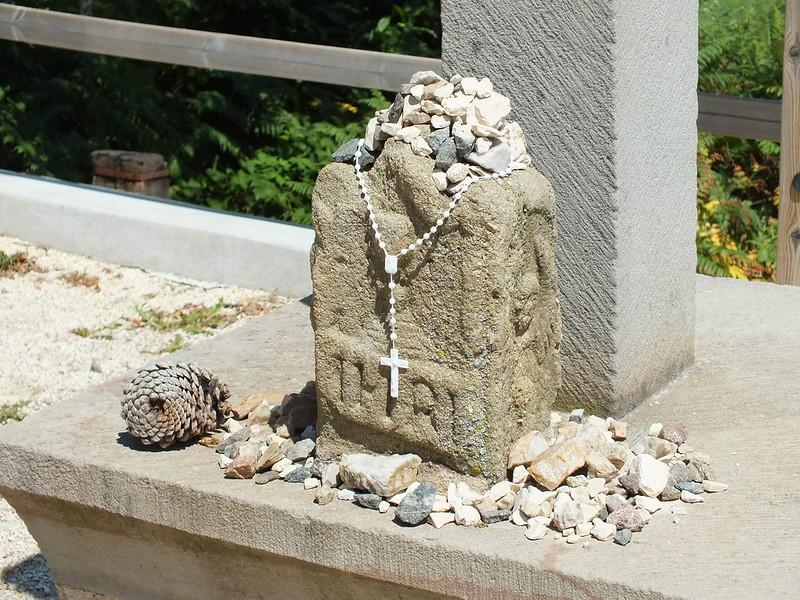 Montredon - La Croix des 3 Évêques (Cagnac)