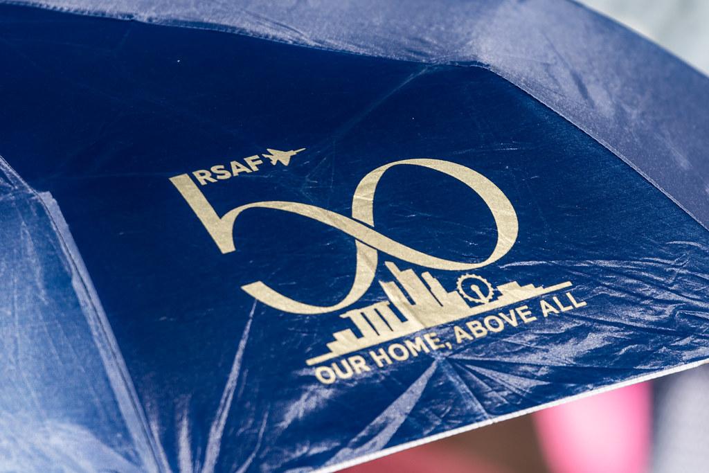 Пролет RSAF Сингапура в честь 50-летия создания и Дня Независимости Сингапура.
