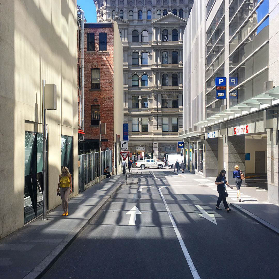 https://www.instagram.com/p/BeyMmpcl1Qz/ Melbourne corporate laneway in summer