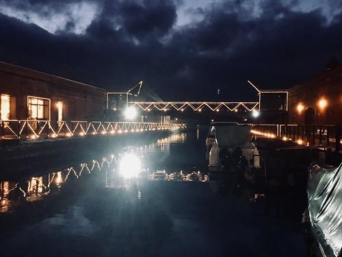 函館 金森赤レンガ倉庫 運河(掘割) 夜景 28EDC463-DB78-4872-9FDB-0482E73730E1