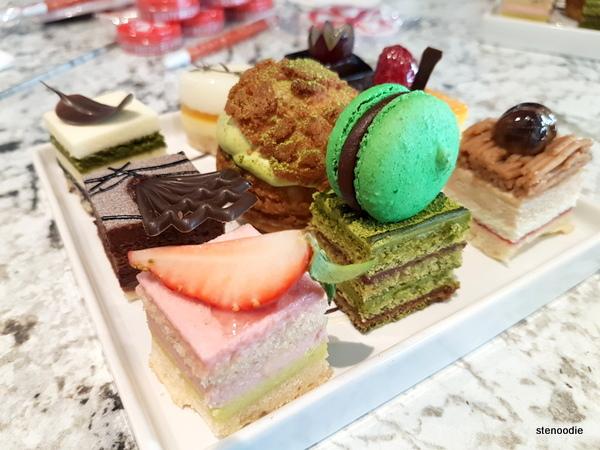 Patisserie Kirin dessert sampler