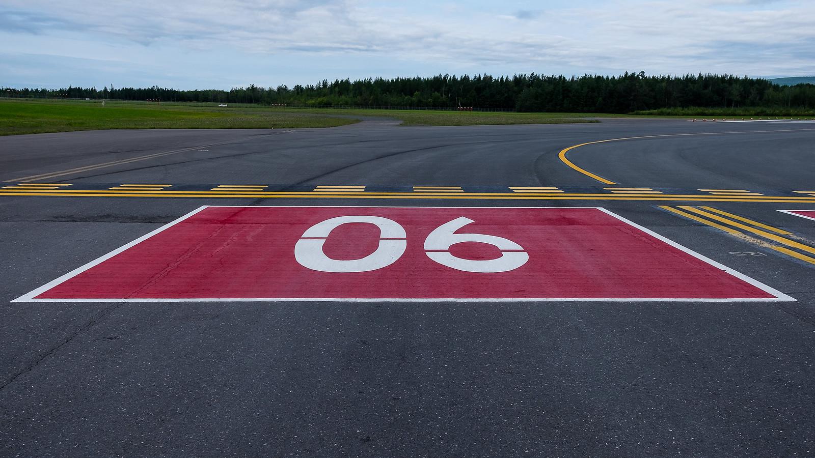 YQB (Aéroport de Québec) 43706222314_2727efe7e9_h