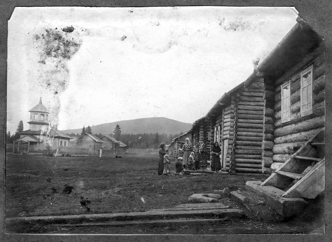 Село Верх-Косьвинское на западном склоне Уральских гор