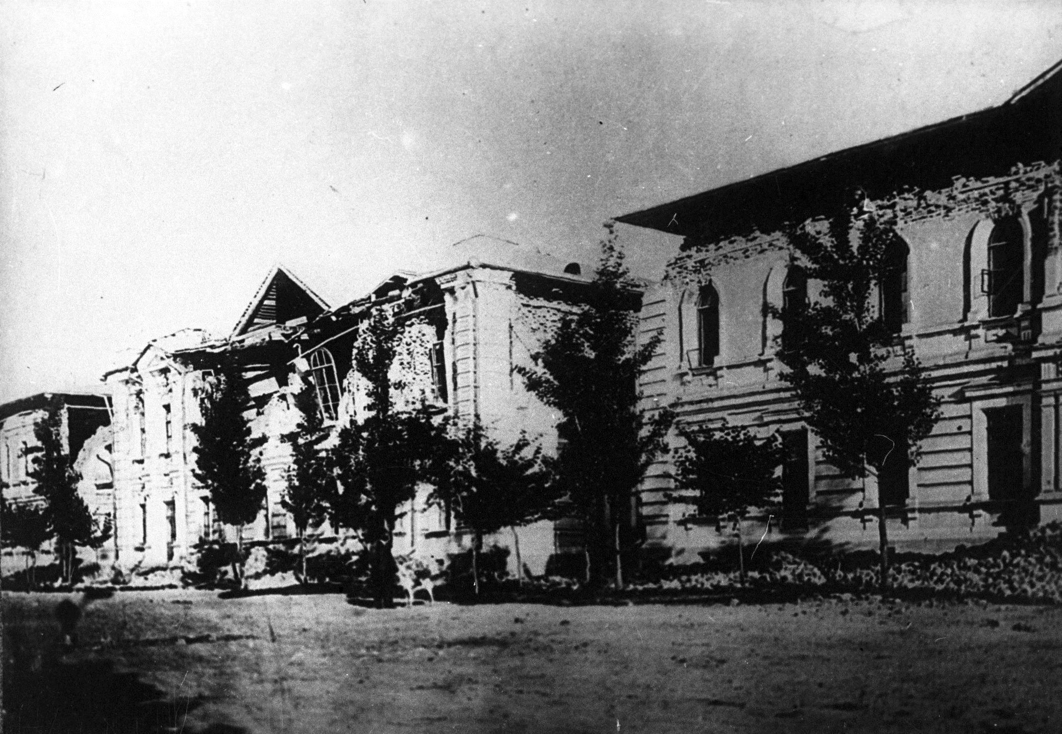 Мужская гимназия после землетрясения. 1887
