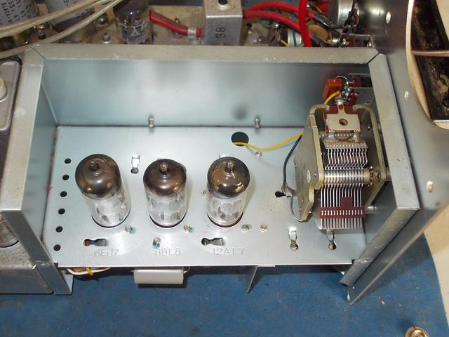 Oscillator, Nikon COOLPIX L25