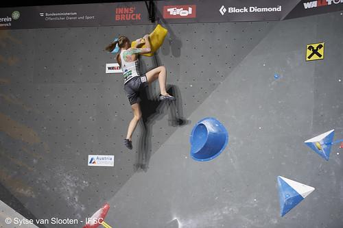 ifscwch-innsbruck-boulderfinals-women-friday-032-D4S_2297