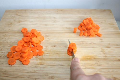 19 - Möhrenscheiben halbieren / Half carrot slices