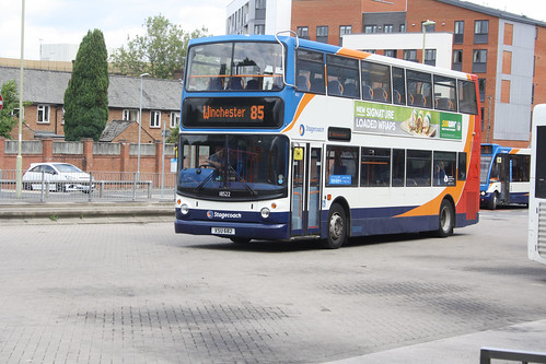 Stagecoach South 18522 XSU682