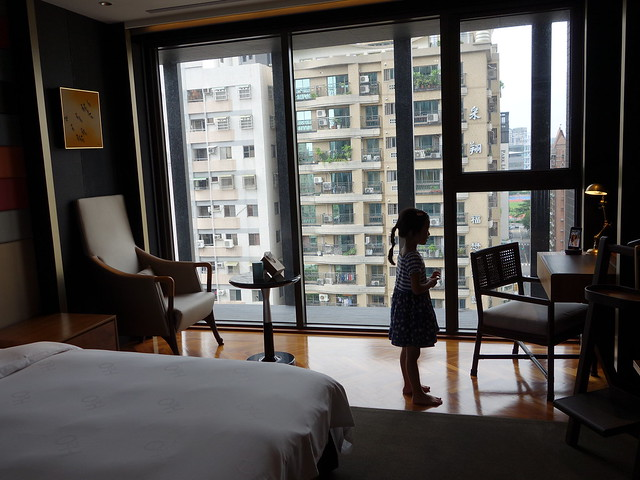 落地窗採光好棒@高雄H2O水京棧國際酒店
