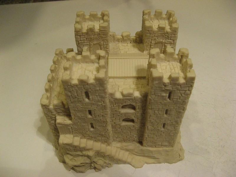 Chateau inconnu (mais magnifique) 44336875561_7ea73fb45f_c