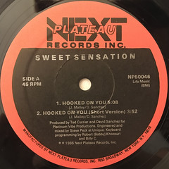 SWEET SENSATION:HOOKED ON YOU(LABEL SIDE-A)