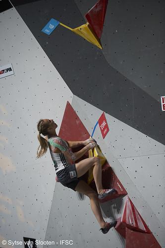 ifscwch-innsbruck-boulderfinals-women-friday-008-D4S_2077