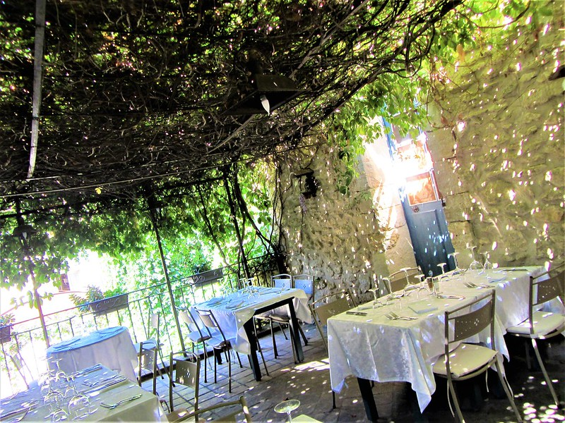 auberge-du-vieux-village-restaurant-mallemort-provence-thecityandbeauty.wordpress.com-blog-lifestyle-IMG_1151 (3)