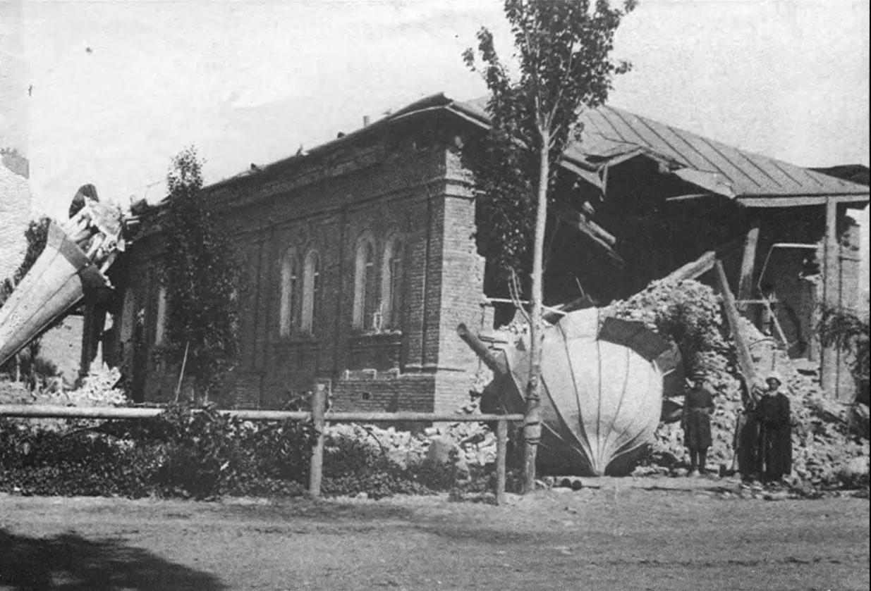 Татарская мечеть после землетрясения. 1887