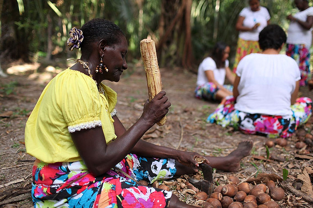 Exitem cerca de cinco milhões de brasileiros que se auto reconhecem pertencentes de povos e comunidades étnicos  - Créditos: Foto: Movimento Interestadual de Quebradeiras de Coco Babaçu