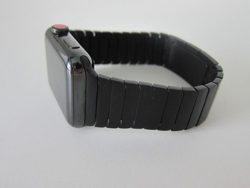 OULUOQI Replica Link Bracelet - With Apple Watch - Side
