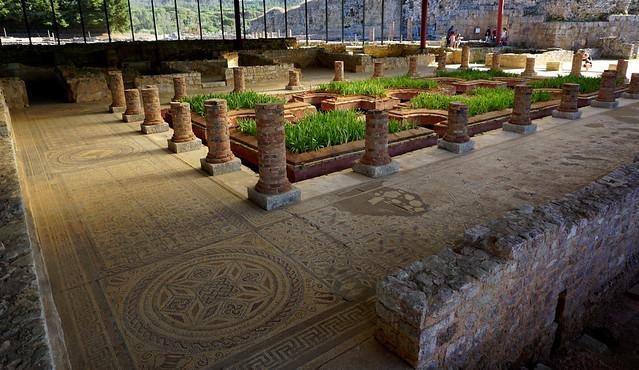 Peristil / Peristyle, Casa dos repuxos, Conimbriga: Domus de les fonts (House of Fountains)