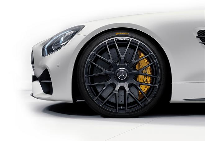藉由德國馬牌輪胎的研發團隊,從產品研發階段與Mercedes-Benz一同發展策略,讓原廠輪胎性能更上一層樓