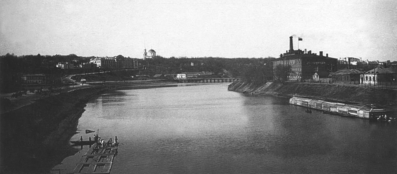 Вид на реку Оку с Мариинского моста.