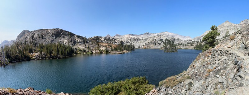 Panorama view of Heather Lake from the Pacific Crest Trail