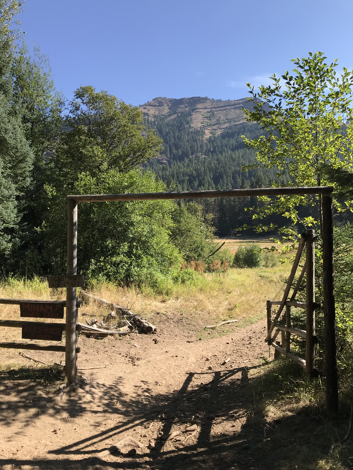 Red's horse ranch gate