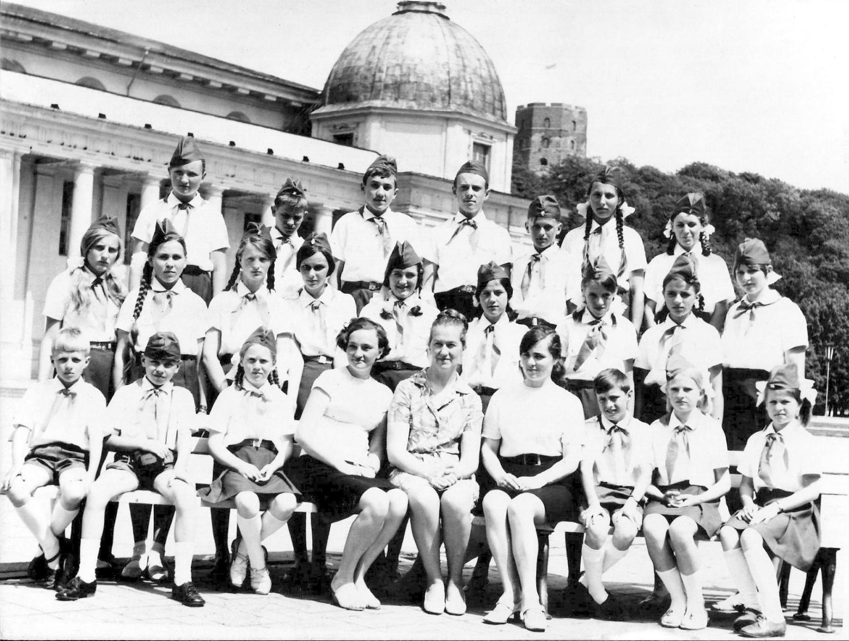 1972. Делегация пионеров Шакяйского р-на в Вильнюсе в честь 50-летия Советской пионерии