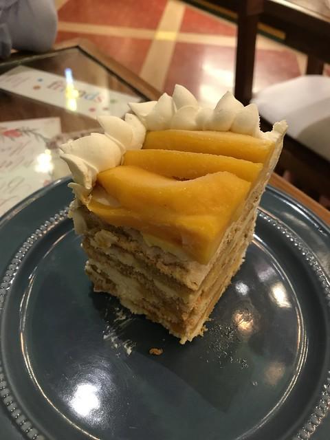 Polilya,  mango cake