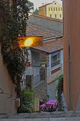 Have a seat, please! Street restaurant at Bormes-Village (F, Dep. Var)