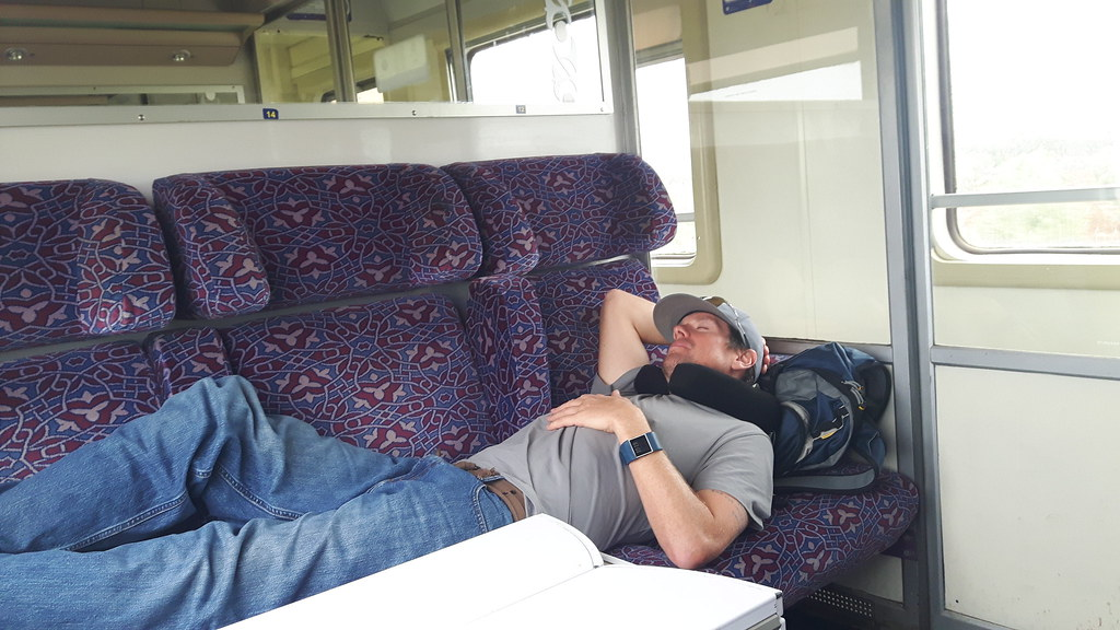 riding a train, Morocoo