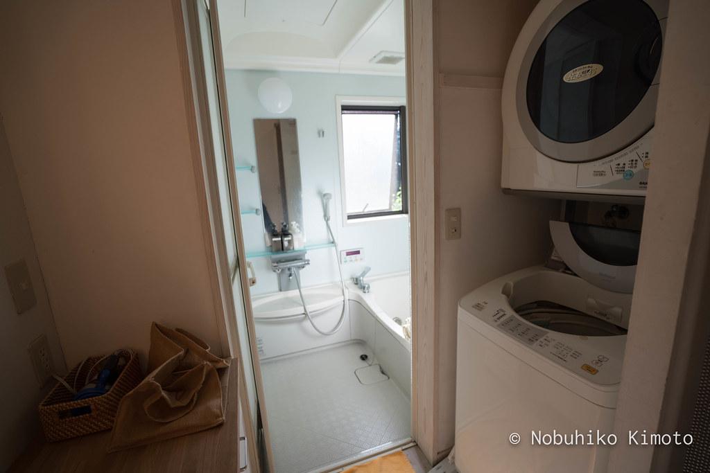 脱皮する家の風呂