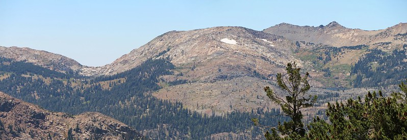 Zoomed-in view of Rockbound Pass and Lake Lois from the Tahoe-Yosemite Trail