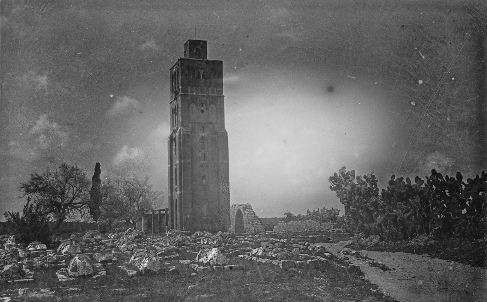 Средневековая башня Белой мечети в Рамле