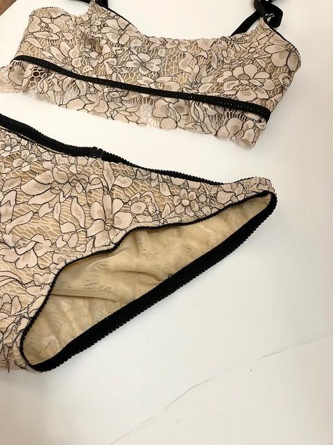 Simplicity 8711 lingerie set
