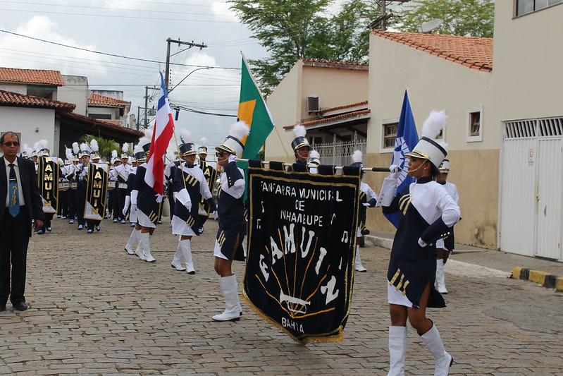 Inhambupe: Autoridades participam de solenidade de Hasteamento da Bandeira