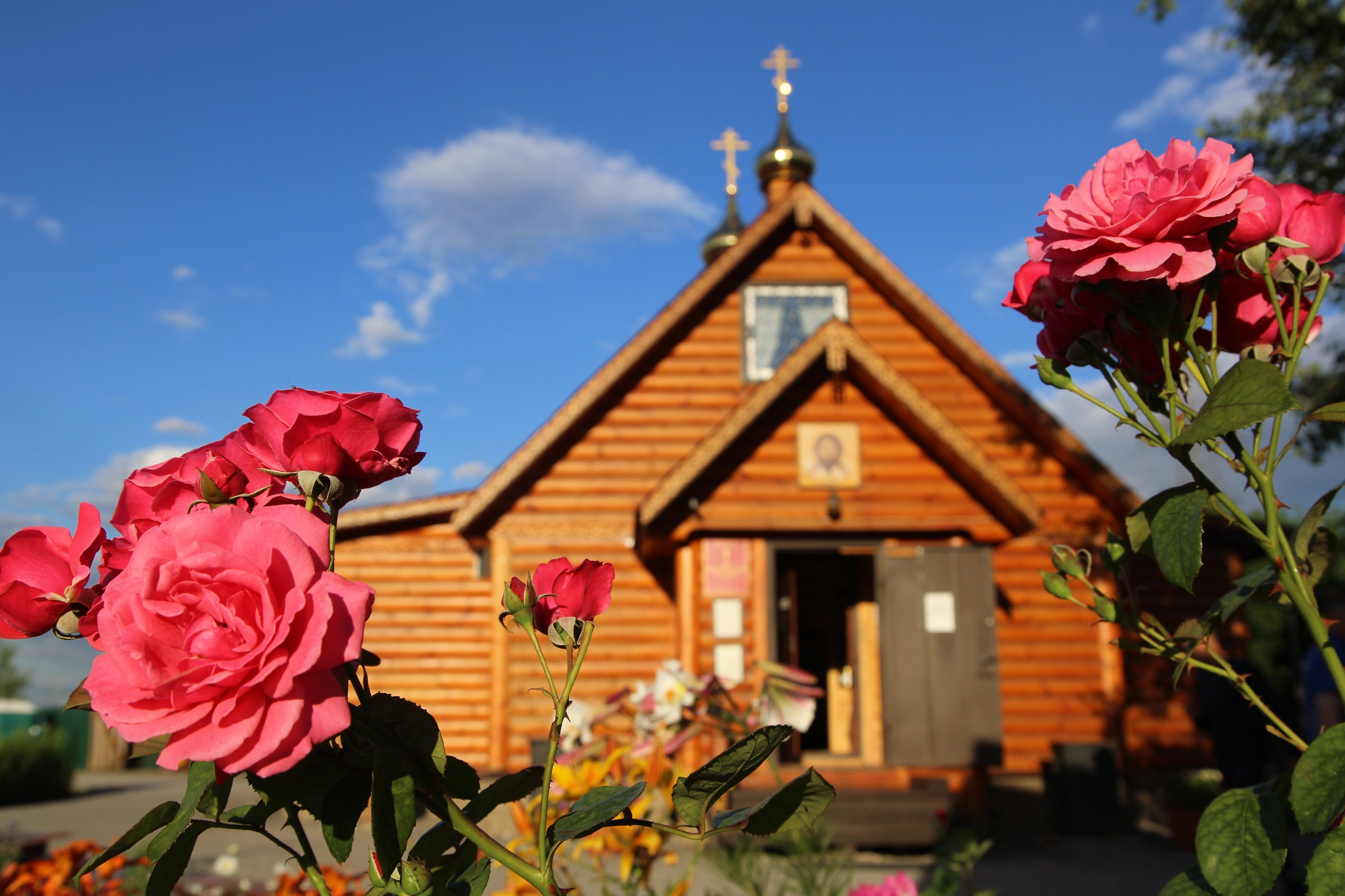 Центр Храмовой флористики «МИРРА» приглашает на ускоренный и базовый курс «Храмовый флорист»
