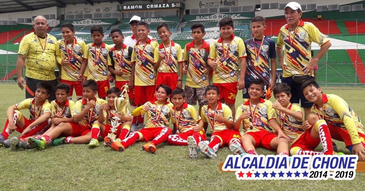 Chone bicampeón provincial en fútbol sub 12 de Manabí