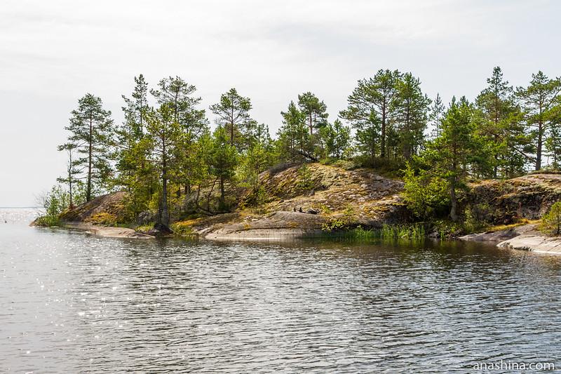 Скалистый мыс, остров Хонкасало, Ладожское озеро