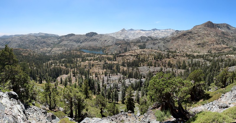 Susie Lake from the PCT, with Jacks Peak (far right) and the Crystal Range in the distance to the west