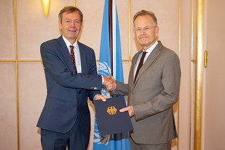 NEW PERMANENT REPRESENTATIVE OF GERMANY PRESENTS CREDENTIALS TO THE DIRECTOR-GENERAL OF THE UNITED NATIONS OFFICE AT GENEVA