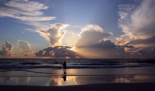 artisticsunrisephotography sunrise florida summer northernflorida 7518 unitedstates usa saintaugustineflorida villanobeach 2018 beach sea sand water atlanticocean waves ocean jetty sky cloudscape fun image25of30 series