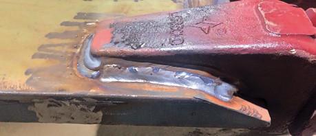фрагмент ковша экскаватора