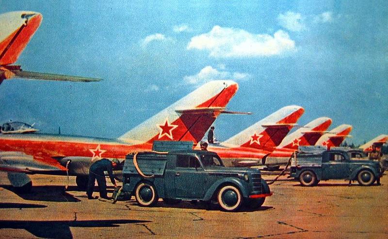 Москва, Тушино, подготовка к авиапараду, 1956 год