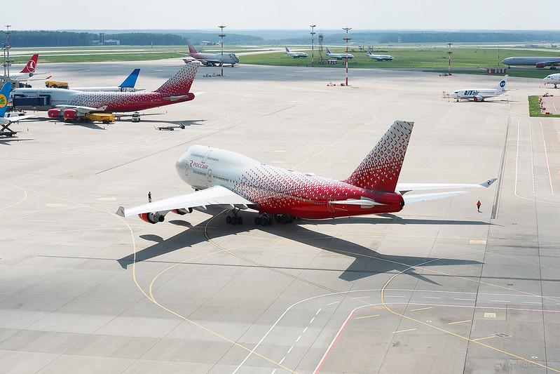 Boeing_747-412_EI-XLM_Rossiya_072_D703998