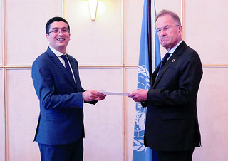 NEW PERMANENT REPRESENTATIVE OF UZBEKISTAN PRESENTS CREDENTIALS TO THE DIRECTOR-GENERAL OF THE UNITED NATIONS OFFICE AT GENEVA