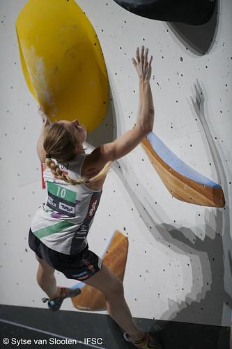 ifscwch-innsbruck-boulderfinals-women-friday-037-D85_3210
