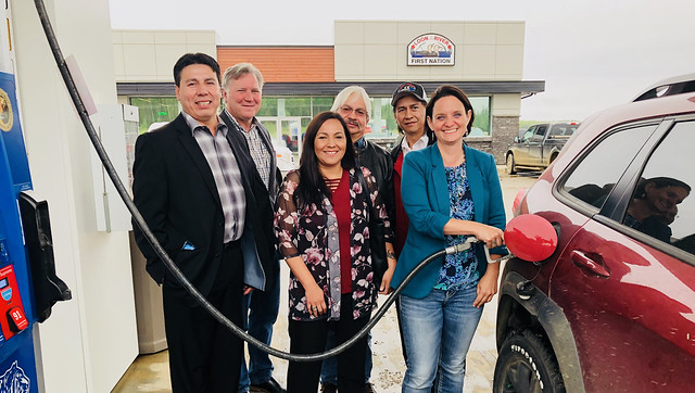 Loon River First Nation opens new truck stop