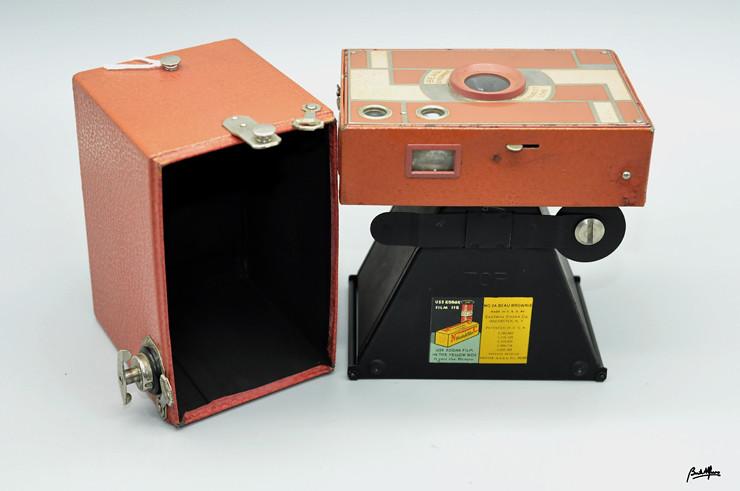 _DSC8264 Kodak Beau Brownie nº 2A Rose-Pink